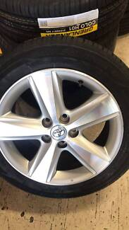 """4 SET 17"""" GENUINE TOYOTA CAMRY ALLOY WITH TYRES + GOOD CONDITION"""