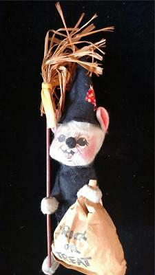 Halloween Broom Treats (ANNALEE HALLOWEEN TRICK OR TREAT MOUSE WITCH BROOM 1977 VINTAGE)