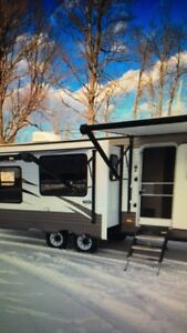 2018 Forest River Wildwood 27' camping trailer