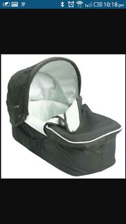 Near. New pram and attached bassinet for sale Quakers Hill Blacktown Area Preview