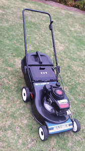Maximus Lawn Mower Taylors Lakes Brimbank Area Preview