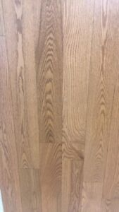 Oak hardwood floor and ingeniered 3,69$ per square ft