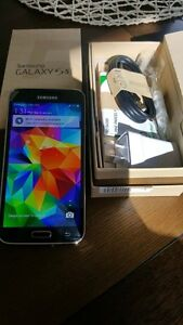 Samsung Galaxy s5 blue great condition with box and accessories Kuraby Brisbane South West Preview