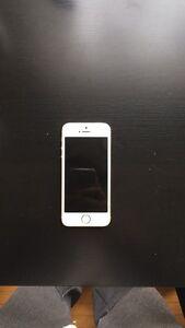 iPhone 5s 16GB amazing condition - Telus