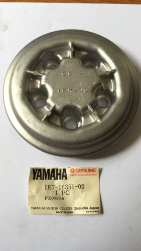 YAMAHA RD125 1E7 1978 1979 1980 Clutch Basket Cover  N.O.S