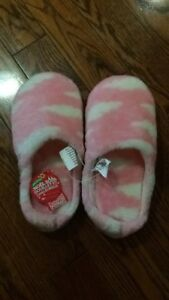 New women's slippers