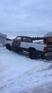 1984 dodge good mud truck or fixer upper