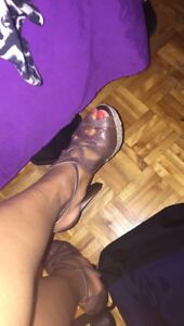 Brown Guess heels size 8