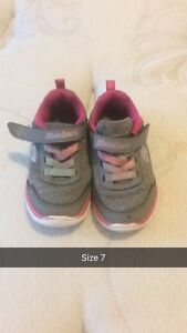 Toddler Sketchers - Size 7
