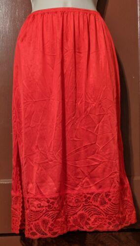 Vintage JC PENNEY BODY LITES RED SMALL Nylon ANTRON III HALF Slip-GREAT CONDITIO