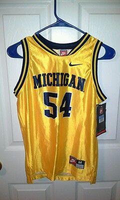 Micbigan wolverines youth size medium 10-12 basketball jersey