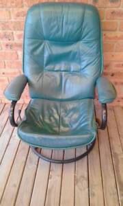 FREE - GREEN LEATHER RECLINER