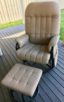 Valco Relax Glider - Feeding Chair and Ottoman