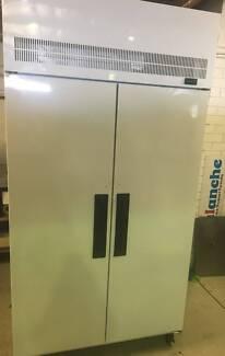 Skope 2 Door Upright Freezer TMEF1000-DK
