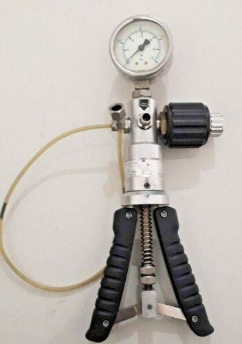LR-CAL LPP-30 Pressure calibrator hand held test pump  LPP30