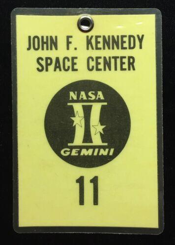 PROJECT GEMINI 11 NASA ISSUED LAMINATED BADGE SN 392 PETE CONRAD & DICK GORDON