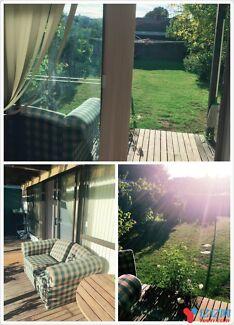 Moorabbin near Holmesglen Institute single room available now.