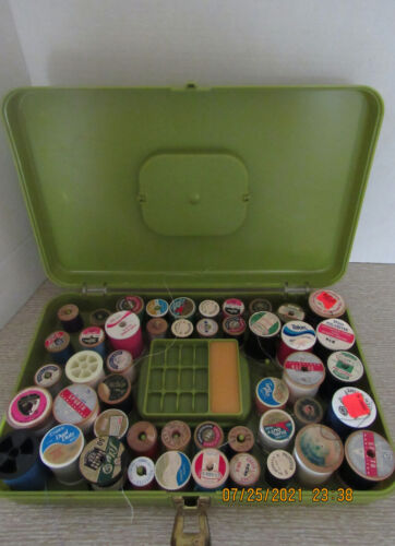 VINTAGE WILSON WIL-HOLD  SEWING THREAD BOX..GREEN..FULL OF THREAD
