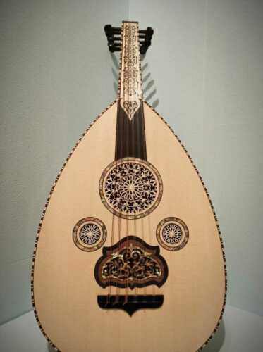 HIGH QUALITY SYRIAN OUD MADE BY IBRAHIM SUKAR MODEL 18