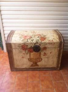 French style hand Painted Wood Coffer /Trunk / Box Westmead Parramatta Area Preview