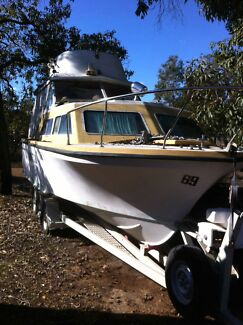 20 ft boat. Cabin cruiser will consider swap or trade Morangup Toodyay Area Preview
