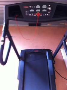 York Z10i Motorised Treadmill Guaranteed Top Condition Sylvania Sutherland Area Preview