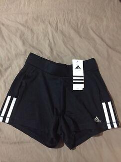 Adidas kids shorts x4