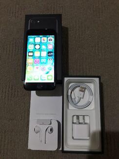iPhone 7. 128GB JET BLACK