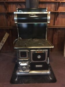Antique range/oven