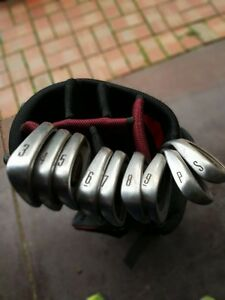 GOLF BAG AND CLUBS Altona Meadows Hobsons Bay Area Preview