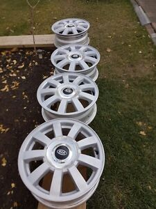 4 alloy rims 15 KIA
