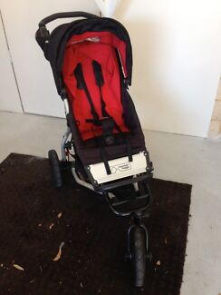 Mountain Buggy Swift 3 wheel pram and carry cot Melville Melville Area Preview