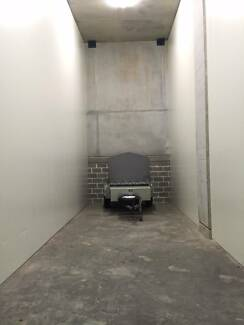 High clearance 10m long Caringbah storage unit