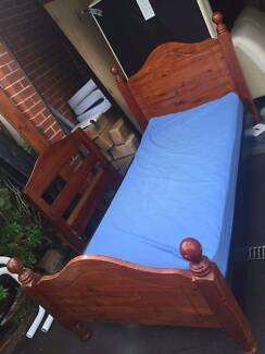 nice solid wooden king single bed frame + mattress , can delivery