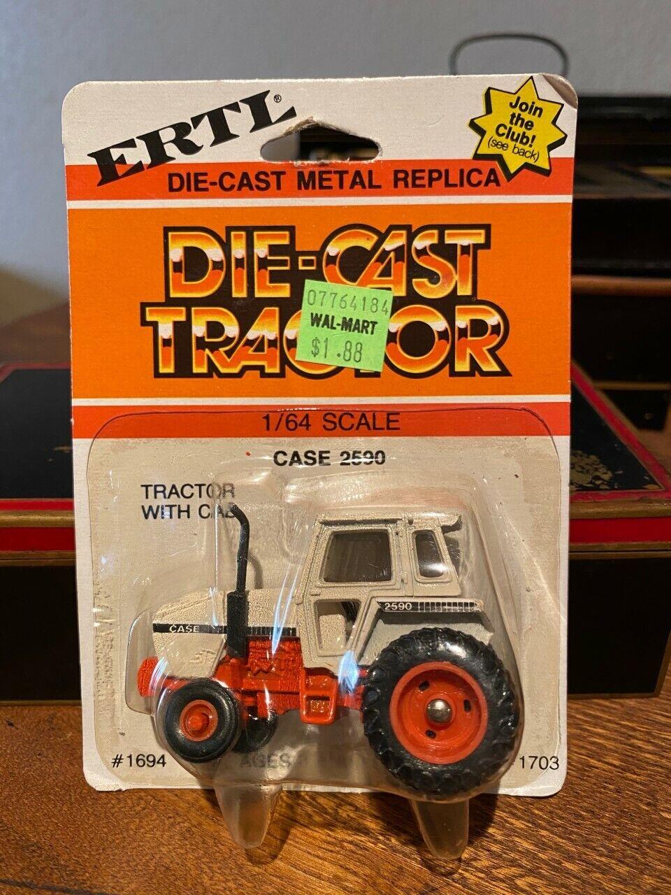 Set 5 ERTL 1/64 Die Cast Tractors Case and Case-International