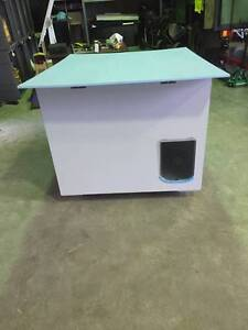 Dog House/Kennel with prototype auto feeder and watering system Wahroonga Ku-ring-gai Area Preview