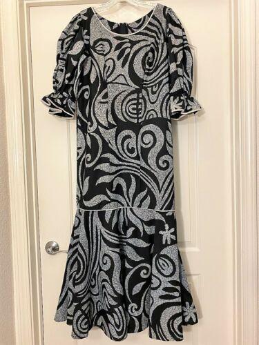 Beautiful Custom Black/Gray Hawaiian Print Dress!