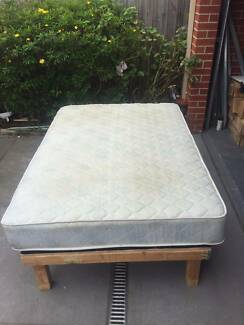 good used king single bed + base, can delivery at extra fee .   I