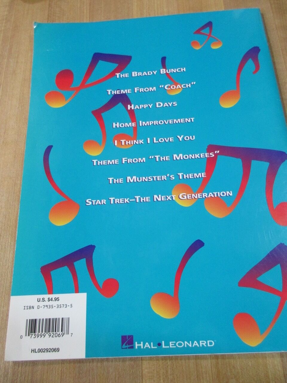 TV Time Five Finger Piano Themes From TV Programs 1994 Hal Leonard  - $2.50