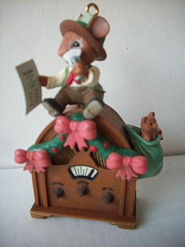Festive News Flash Mouse old fashioned radio DJ Enesco 1992 Christmas ornament