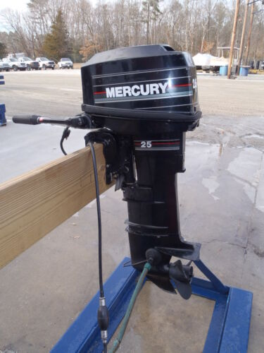 Used 1992 mercury marine 25mlh 25hp 2 stroke outboard boat for 2 2 mercury outboard motor