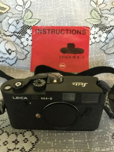 Leica M4-2 35mm Rangefinder Film Camera