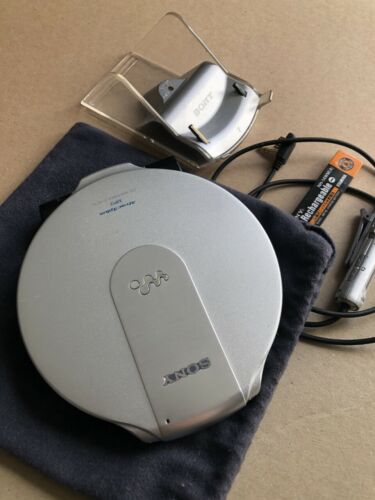 Sony CD Walkman D-NE10 in great condition - magnesium/aluminum silver case