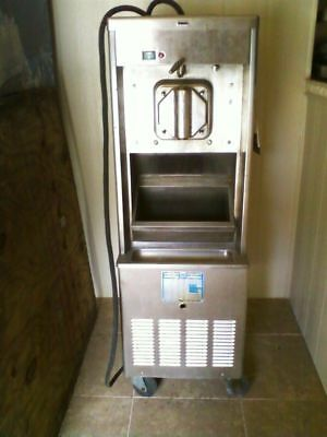 Taylor 441-33 Shake Machine With Syrup Well- Condition Unknown 220 Volt 3ph Air