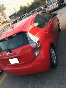 LEASE TAKEOVER- 2014 Toyota Prius C Technology (Hybrid)