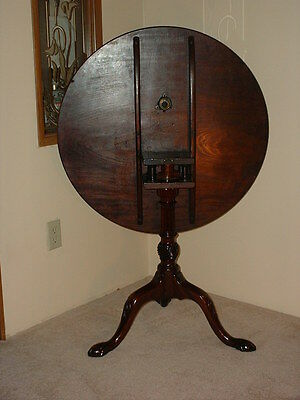 18th c. Mahogany Tilt-Top Table with Fluted Standard, Spiral Urn and Carved Legs