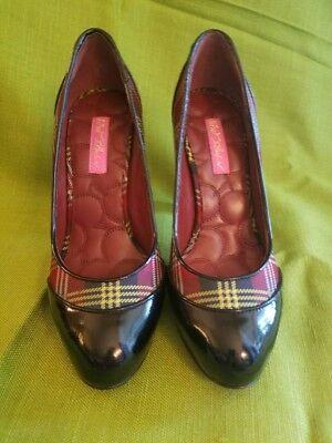 Betsey Johnson Shoes Size 8 M