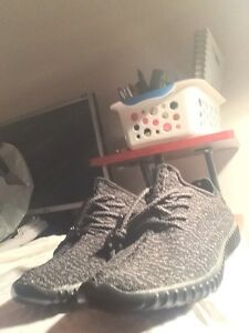 YEEZY BOOST 350 Replica size 10  West Island Greater Montréal image 1