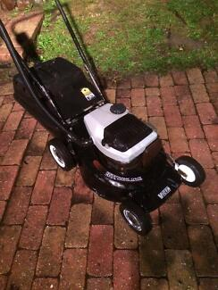 VICTA 2 STROKE LAWN MOWER ALLOY CHASSIS , GOOD COND :) Hallam Casey Area Preview