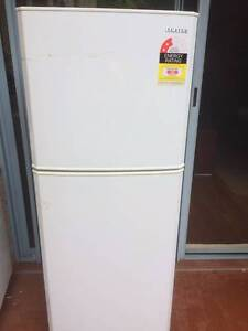 Samsung SR216NME Fridge - 216L, Frost Free, Multi Flow, Twist Ice Naremburn Willoughby Area Preview